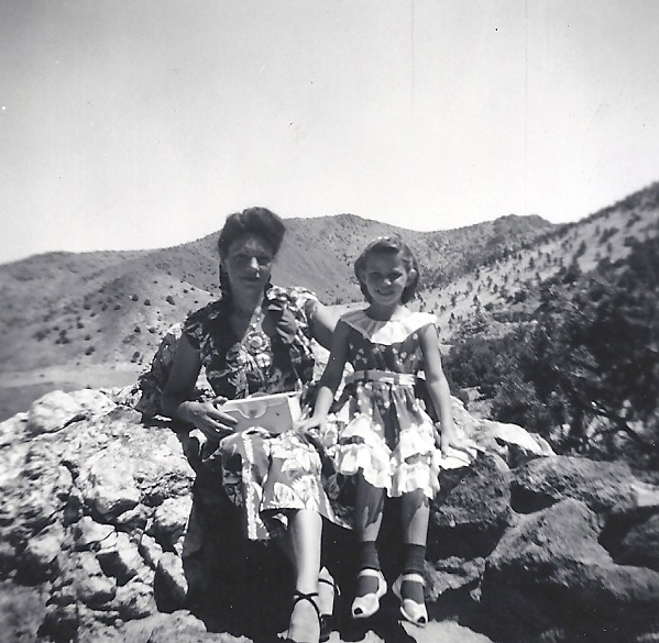Florence (Connelly) Sizer and LinDee Rochelle (Sizer) in 1954
