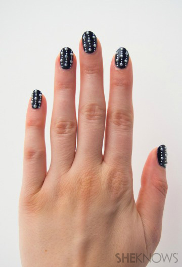 Lined pearls nail art inspired by Chanel
