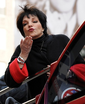 Liza Minnelli on her NYC decorated bus