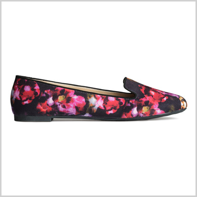 Loafers in Black and Floral