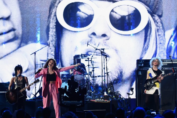 Lorde performs at Nirvana induction into Hall of Fame