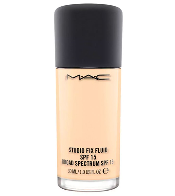 Best Foundations for Oily, Shiny Skin: M.A.C. Studio Fix Fluid | Summer skincare 2017