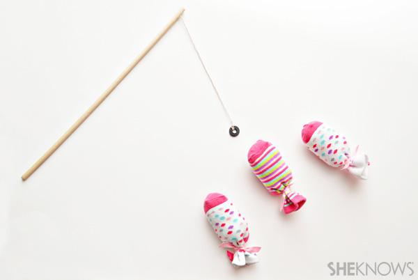 Go-fish magnet craft