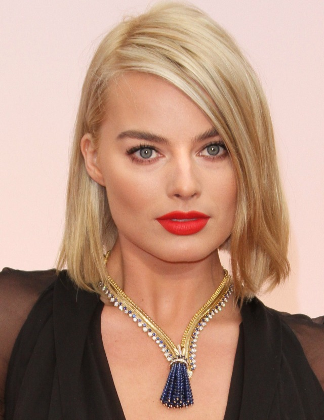 Margot Robbie red lip
