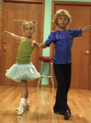 Dancing Tweens...is this what ABBA had in mind?