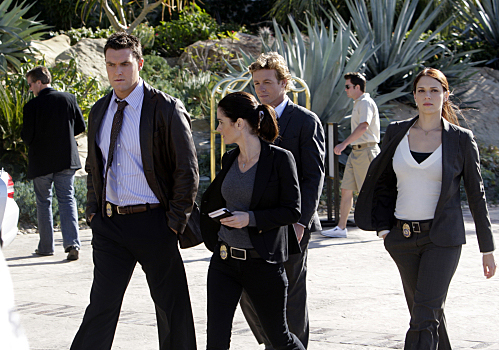 Simon Baker and gang on CBS' The Mentalist