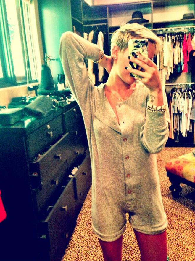 Miley Cyrus in onesie