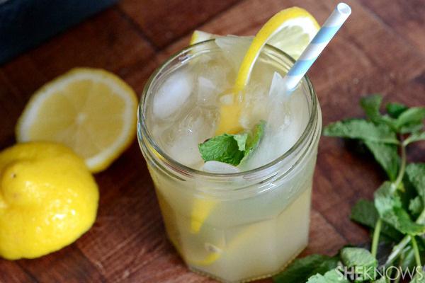 Lemon & mint bourbon cocktail
