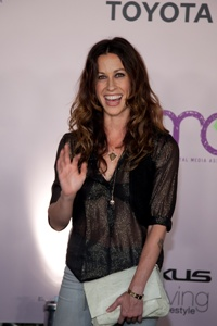 Alanis is married!