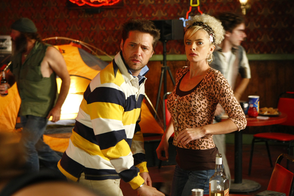Jason Priestly visits Jamie Pressley on My Name is Earl
