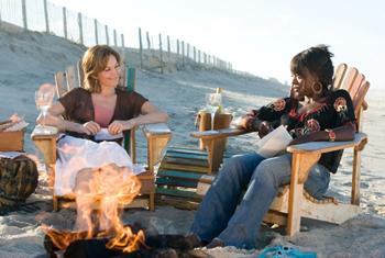 Diane Lane and Viola Davis in Nights in Rodanthe