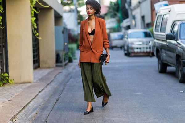 Other Clashing Colors: Orange blazer with green slacks