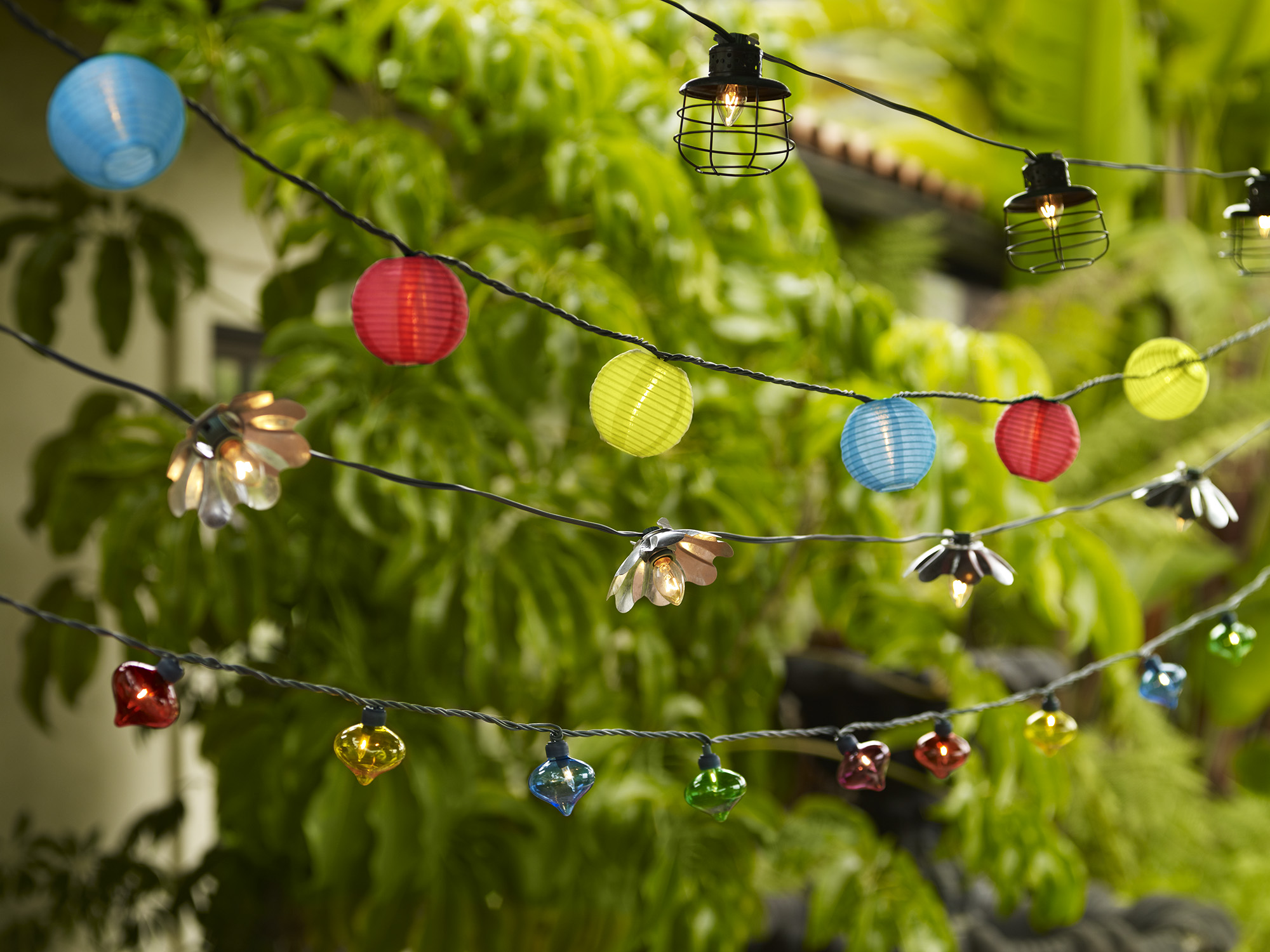 outdoor-string-lights