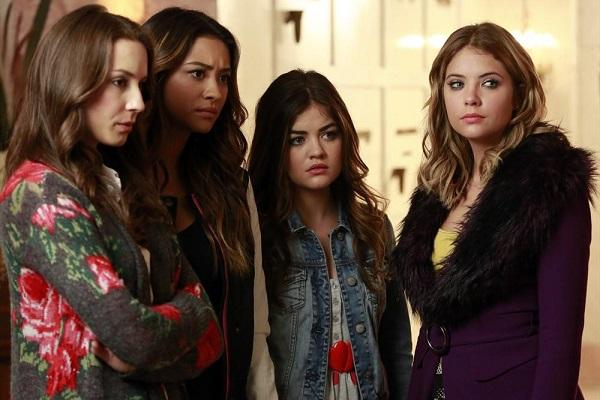 Pretty Little Liars Who's In The Box Review