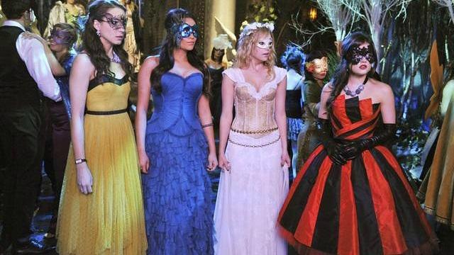 Pretty Little Liars Halloween costume ideas
