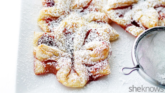 Jam-filled puff pastries look like edible