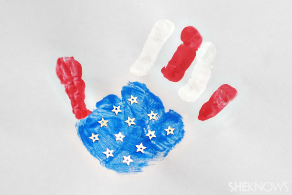 Handprint American flag - Patriotic Memorial Day crafts