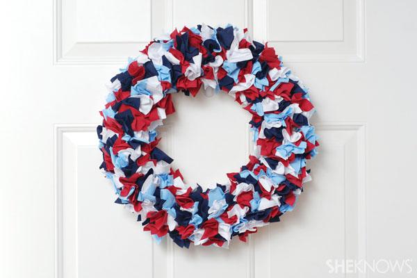 American flag wreath - Patriotic Memorial Day crafts