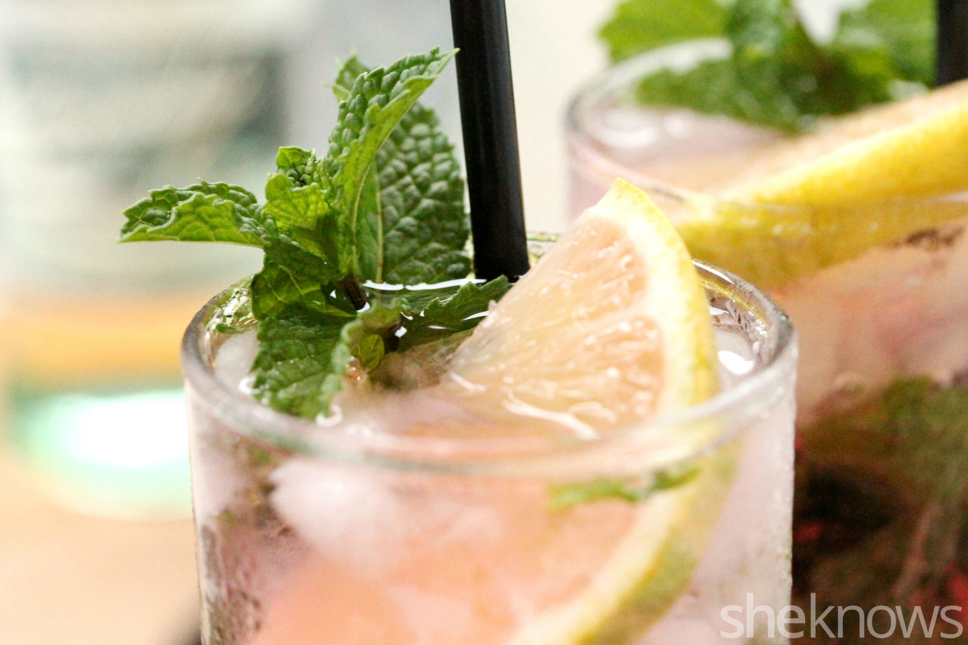 Pink-lemonade-mojitos-with-mint