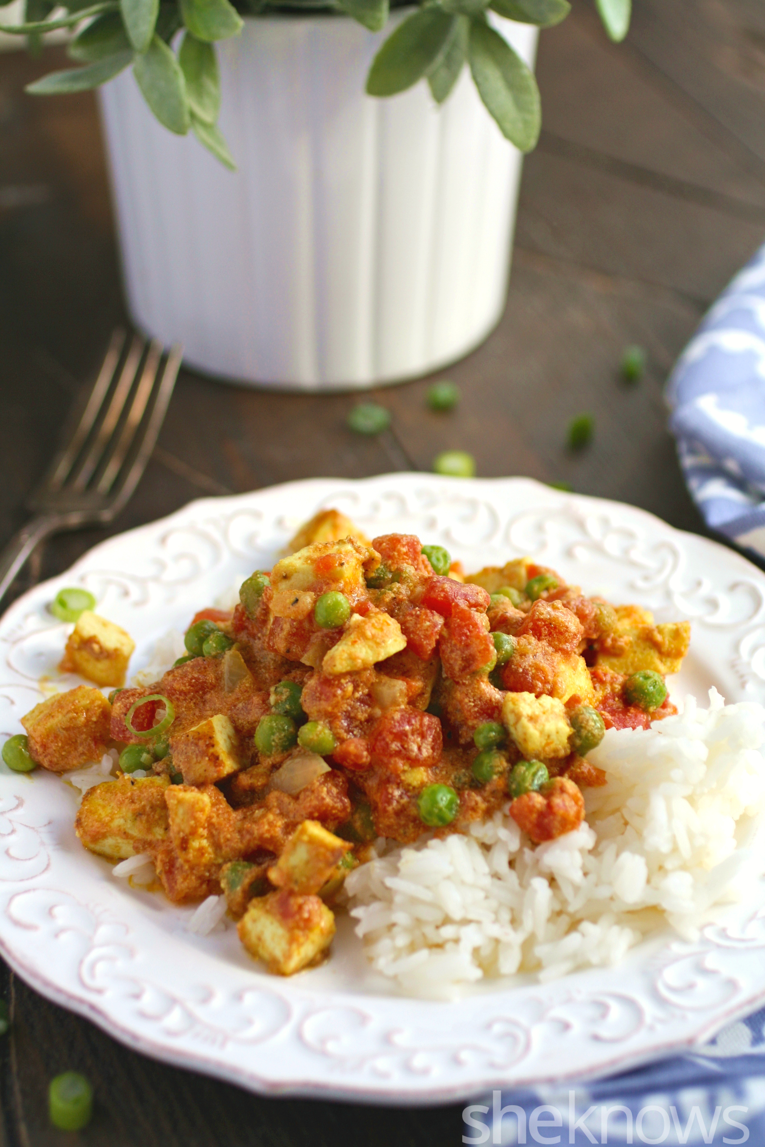 This colorful and flavoful Meatless Monday tofu tikka masala is an Indian-inspired dish you'll love!