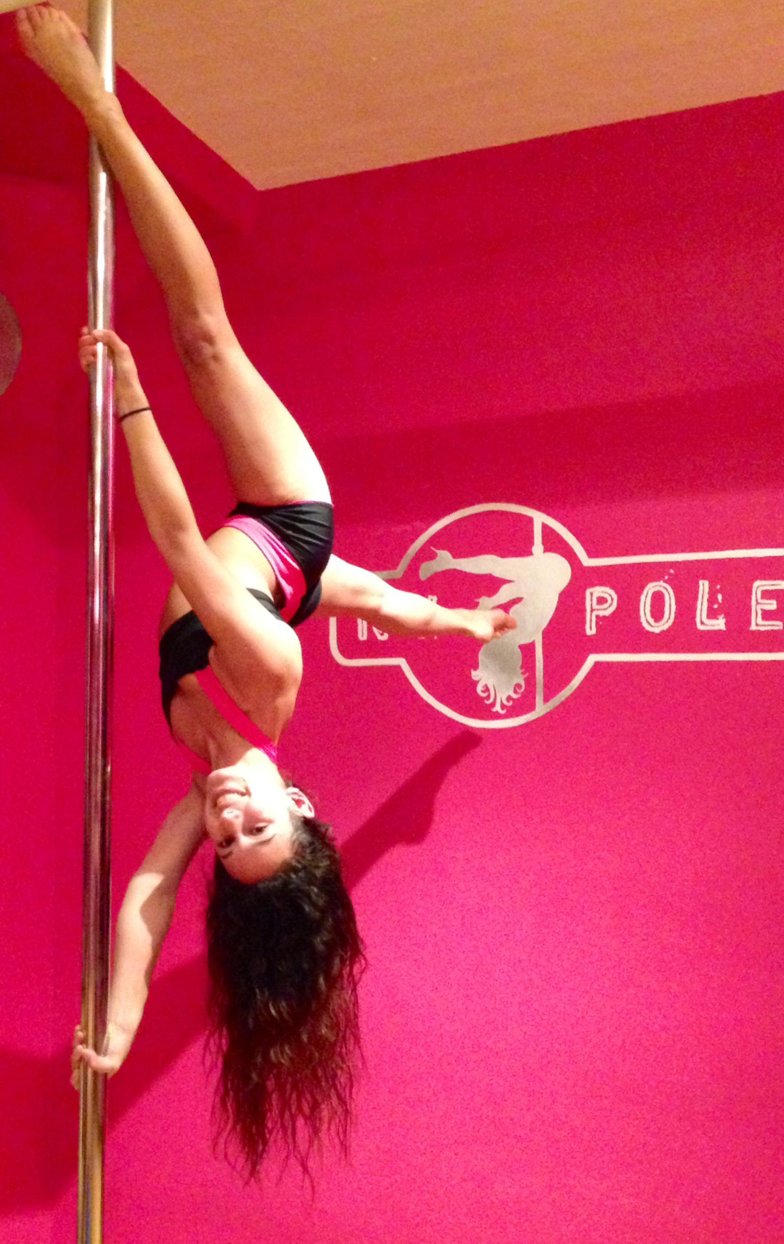 Pole dancing: Danielle Amico