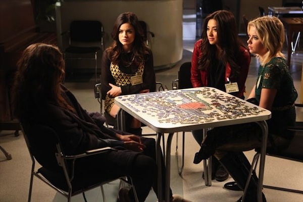 The girls try to convince Spencer Toby's alive