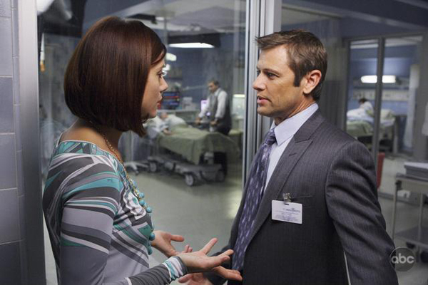 Grant Show makes himself at home on Private Practice