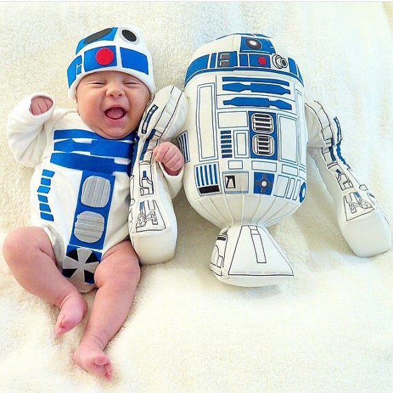 Cute Halloween costumes for babies: R2D2