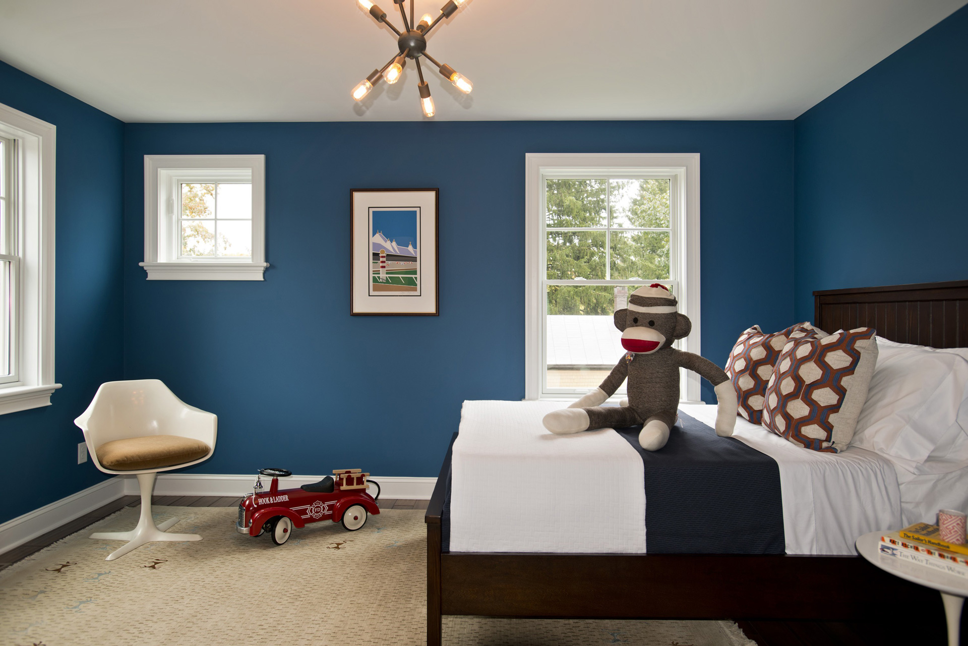 Make the guest room blue