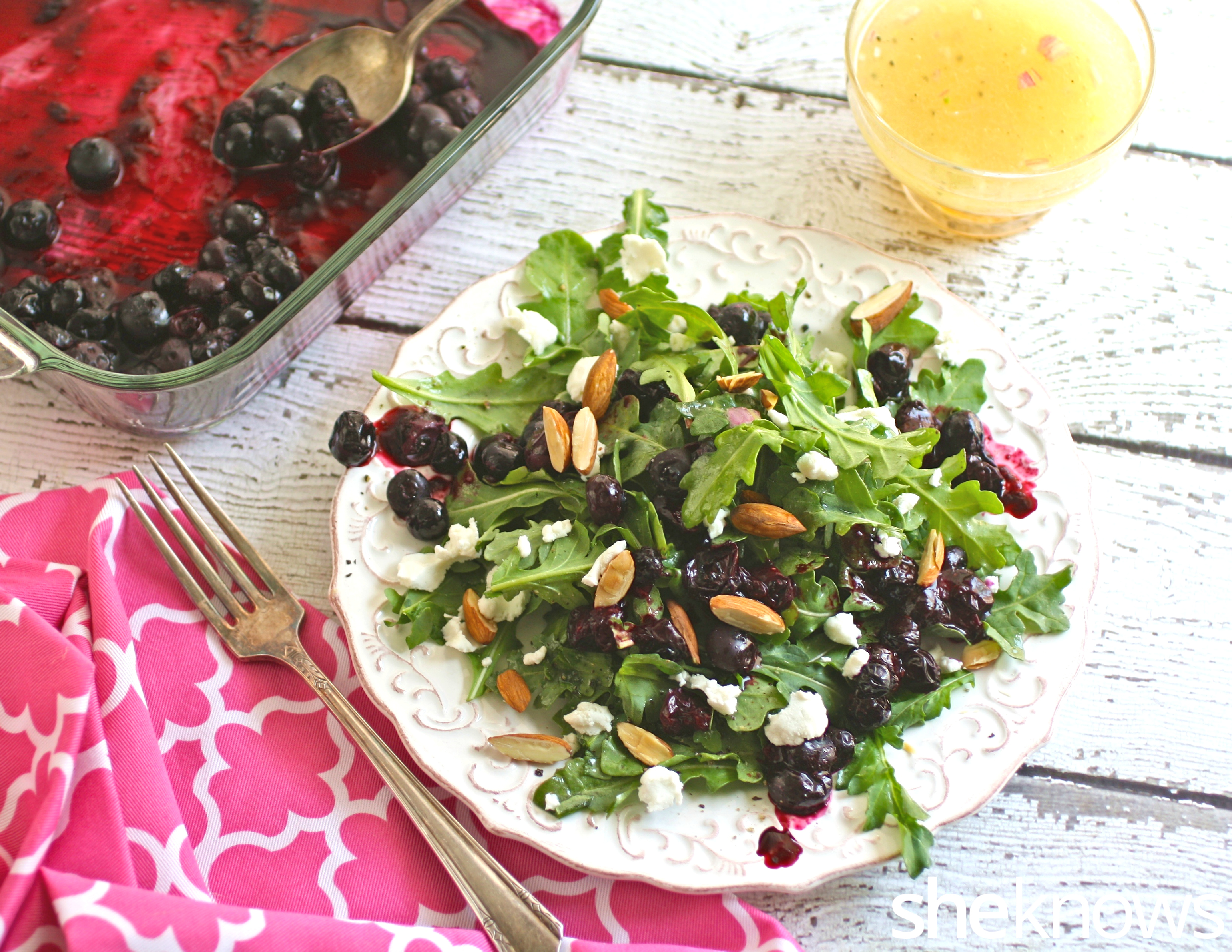 20 minutes is all it takes to make this Meatless Monday roasted blueberry and arugula salad with lemon-Champagne vinaigrette