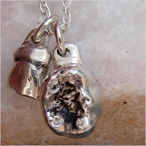 Rock my world pendant | Sheknows.com