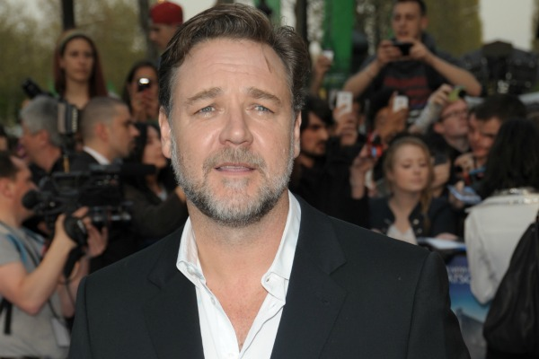 Russell Crowe shares condolences following Sydney siege