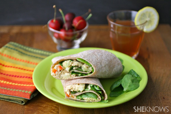 Tuna and spinach salad sandwich wraps