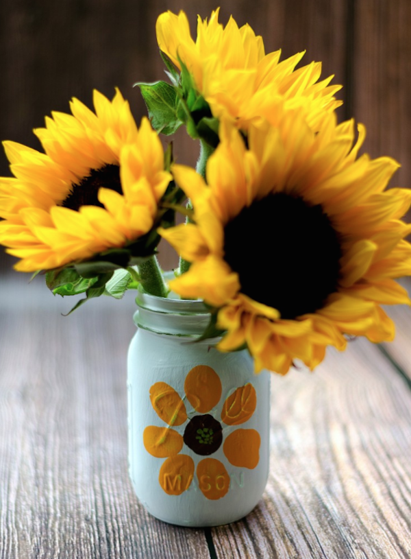 Mason jar crafts: Thumbprint flower