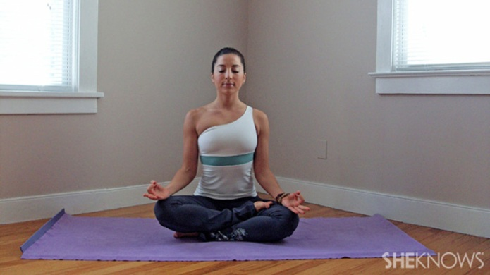 How yoga helps curb cravings