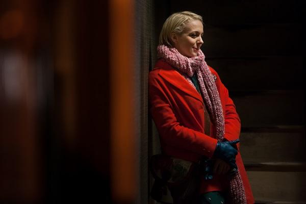 11 Sneak peek shots from Sherlock Season 3 -- Fiance