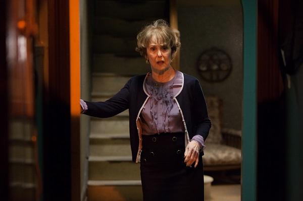 11 Sneak peek shots from Sherlock Season 3 -- Mrs