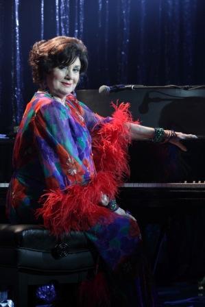 Shirley Jones stars on The Cleaner
