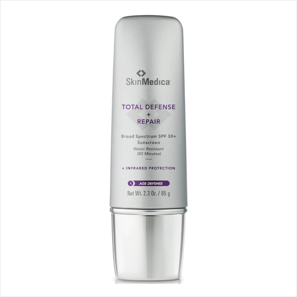 Best Sunscreens for Oily Skin: Clinique Broad Spectrum SPF 30 Sunscreen Oil-Free Face Cream | Summer Skin SkinMedica Total Defense and Repair Broad Spectrum SPF 50+