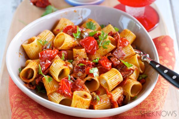 Spicy pasta with salami recipe