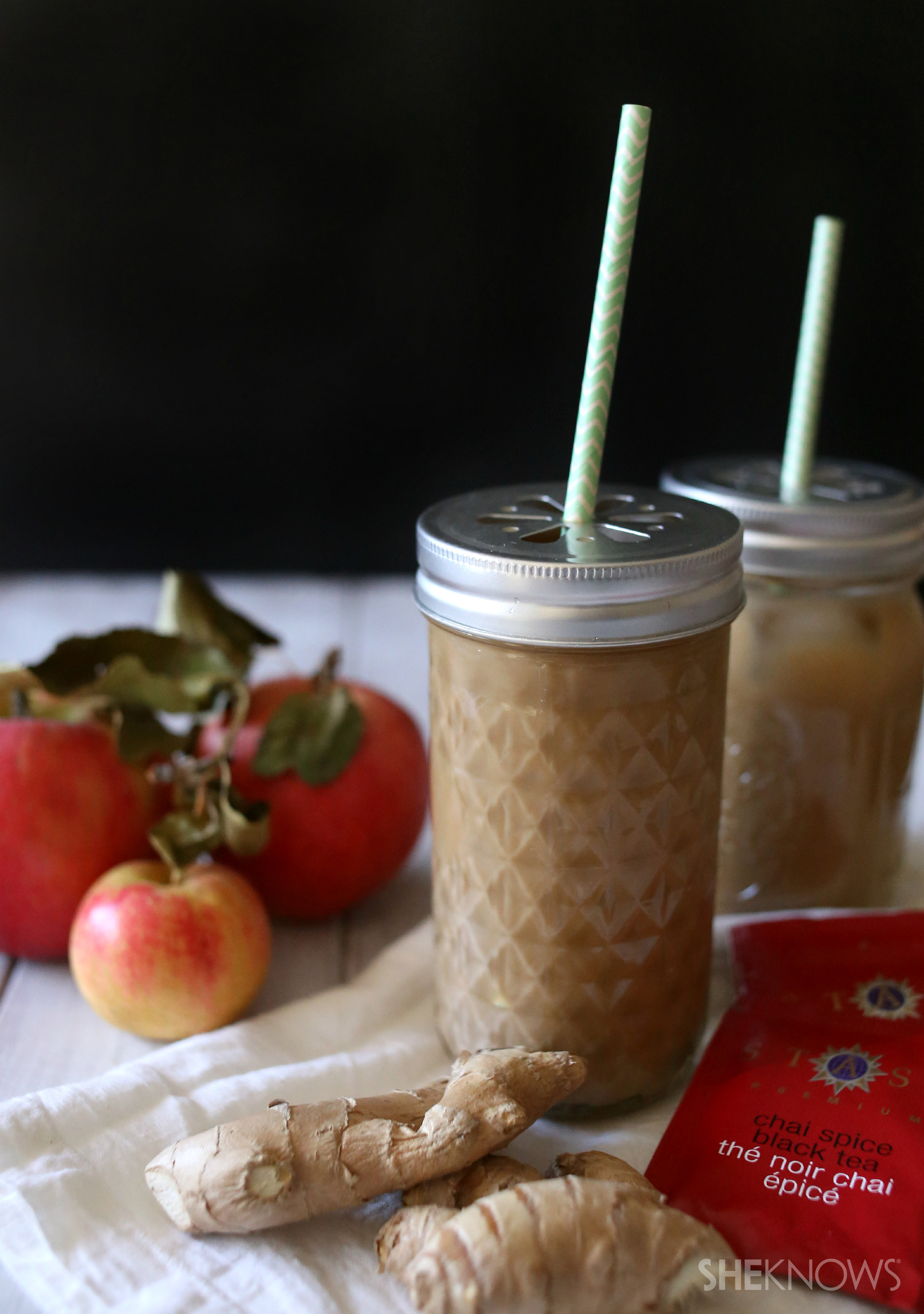 Starbucks copycat: iced chai latte