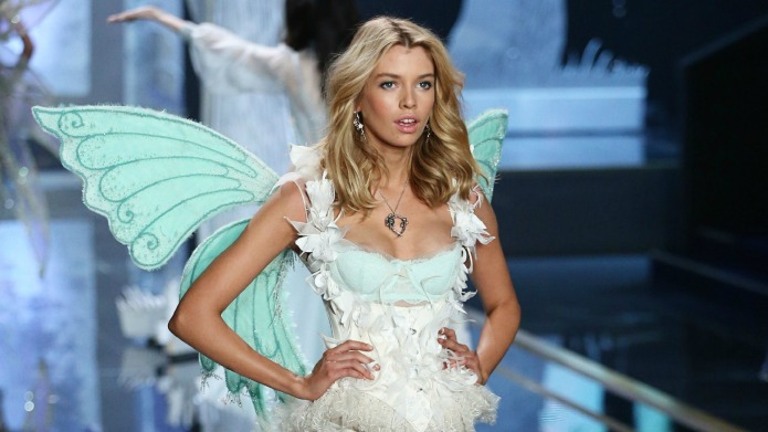 Stella Maxwell: 13 Things to know