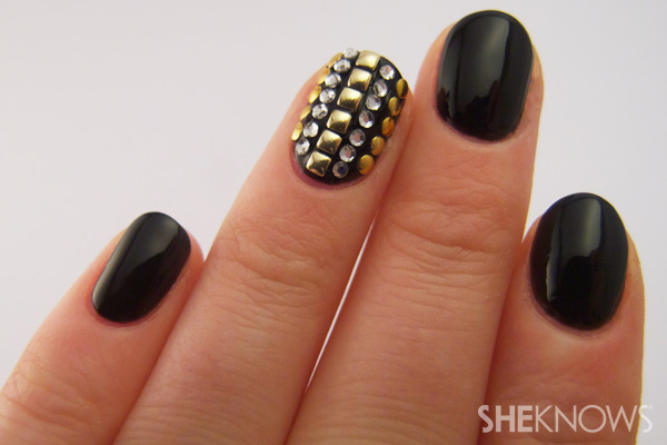 nail art tutorial - add topcoat