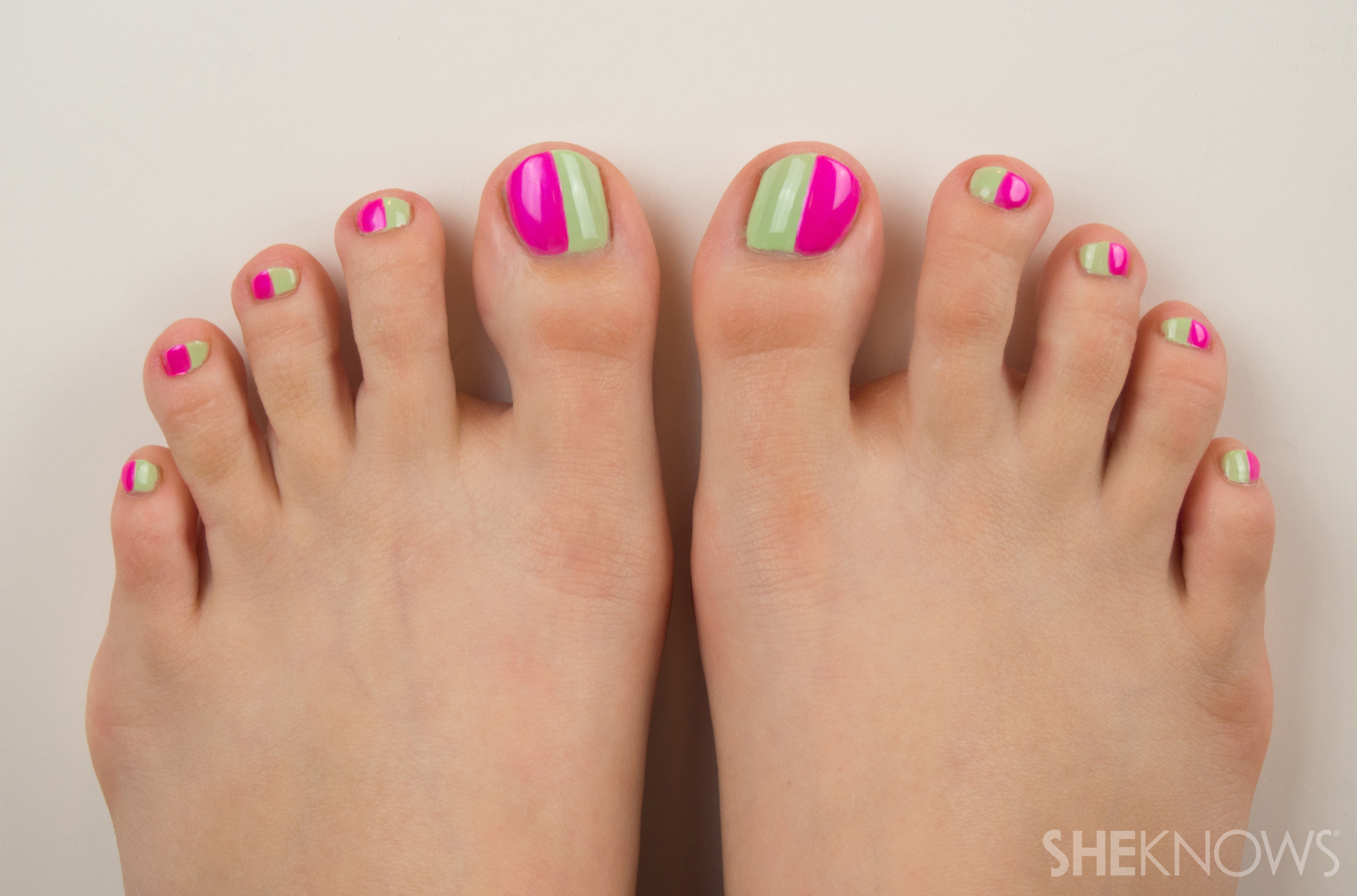 Colorblock pedicure for summer