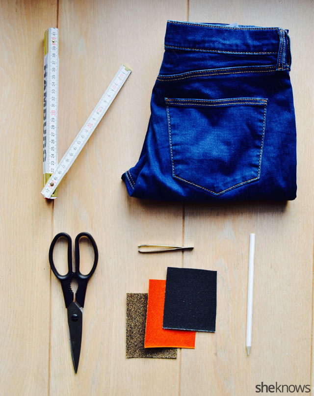 How to Fray Jeans: The Supplies