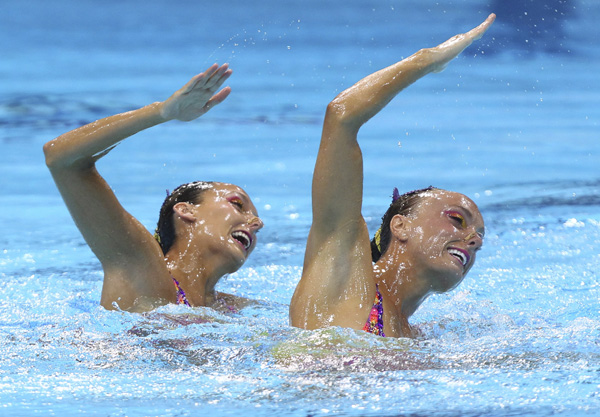 Canadian synchronized swimmers at London 2012