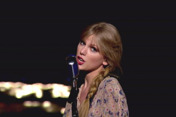 Taylor Swift Safe And Sound Video Premieres Sheknows