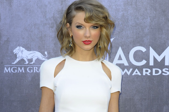 Taylor Swift will make a cameo appearance in Girls
