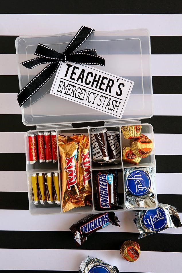 DIY Non- Heart Valentines Gifts For Teachers | DIY Teacher's Emergency Snack Stash