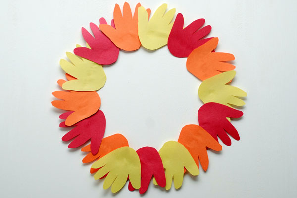Thanksgiving hand wreath craft